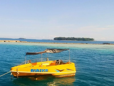 pulau pelangi backpacker